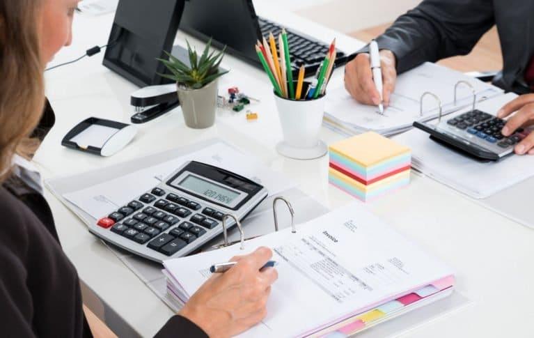 Вакансии бухгалтера в ип в спб специалист по рекламациям должностная инструкция